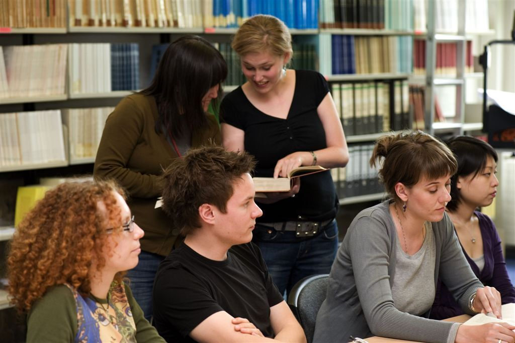 RWTH Aachen graduates learning together